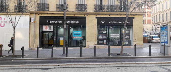 Vitrine imprimeur COPY-TOP Marseille | agence Préfecture