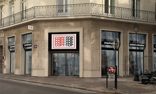 Vitrine imprimeur COPY-TOP Nantes | agence
